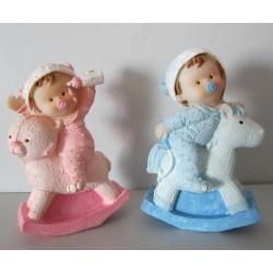 Figurines bébés à cheval