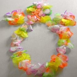 Set hawaïen en tissu pastel