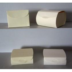 Boites en carton blanc ou ivoire