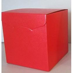Boîte cadeau carré rouge